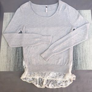 Knit & lace long sleeve top